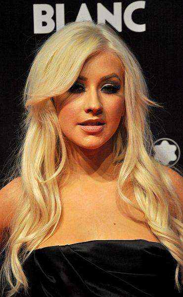 """Test Your Knowledge On The Lyrics To """"Beautiful"""" By Christina Aguilera!"""