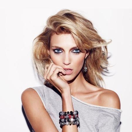 What You Know About Anja Rubik?