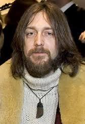 Know Chris Robinson Better