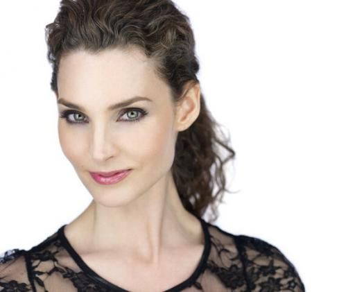 What You Know About Alicia Minshew?