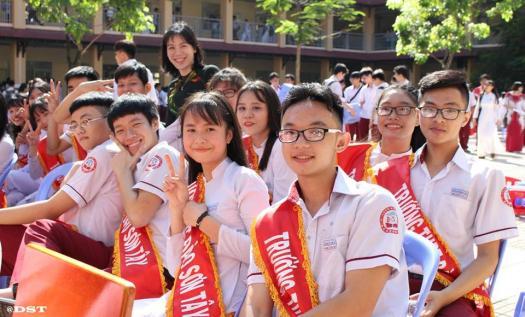 "V�ng S Kho Hi Thi ""Hc Sinh Thanh Lch �o Sn T�y"""