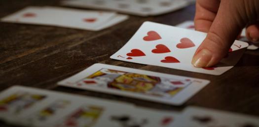 Quiz: 2-Way Winner Card Game