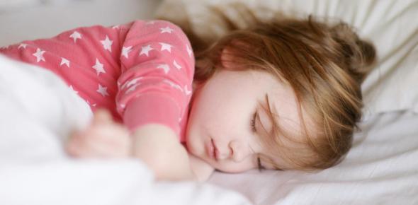 How many hours sleep does a pre-teen kid need each night?