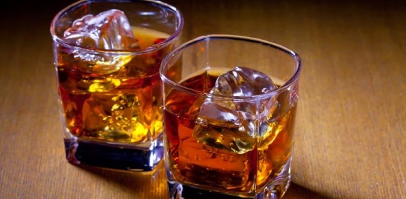 Can drinking alcohol affect your muscle growth (if so, how?)?
