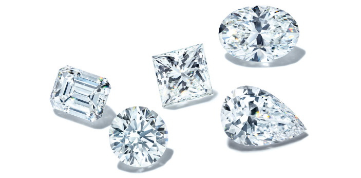 If in case you are not too familiar with VS1 and VS2, these are known to be diamond clarity grades