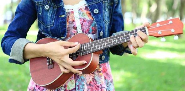 Can orchestral music be played on a ukulele?