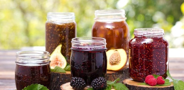 Both jams and jellies are fruit products that are popularly used to liven up plain toast or to