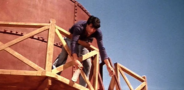 "Where does Veeru propose to Basanti in Sholay?<br/><a  class=ack_title  target=""_blank"" href=http://www.ProProfs.com/quiz-school/story.PHP?title=bollywood-quiz_1></a>"