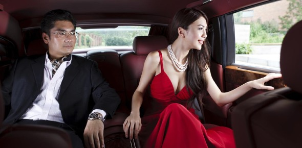 How many Chinese are millionaires?