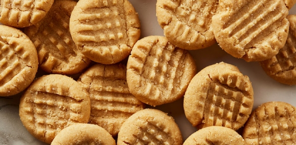 Cookies are both a dessert and a snack. Traditionally, a dessert was considered a refreshment that