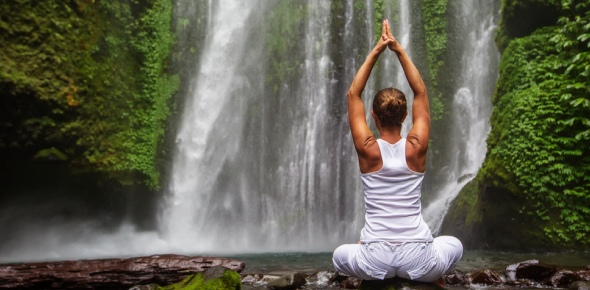 What are some health benefits of yoga?