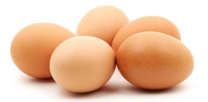 23  An unfertilized egg, or ovum, contains 23 chromosomes, which are paired with the 23 chromosomes
