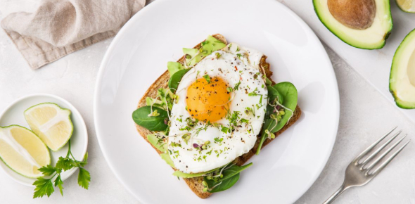 Healthy breakfasts are those that set the body up for the day's activities, therefore a piece