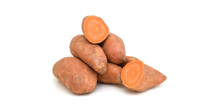 There are so many differences between sweet potatoes and yams. First, sweet potatoes belong to the
