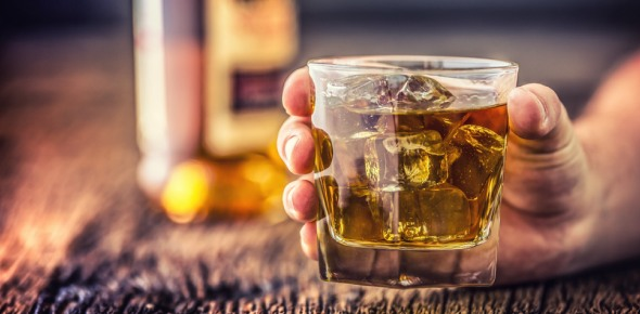 How can I avoid alcohol poisoning?