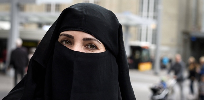 Muslims women are very known for various kinds of dress codes that promote decency. Examples of