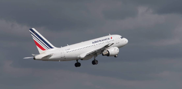 Which class of airspace do passenger aircraft fly in?