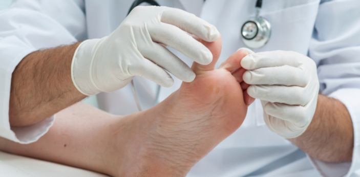 There is no significant difference between Podiatrist and Chiropodist. Both are terms used to refer