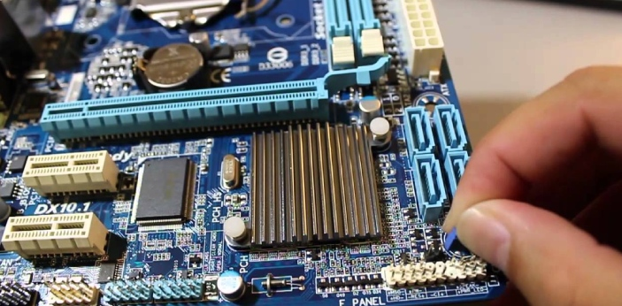 CMOS and BIOS are two types of computer technologies. They both are abbreviations, which stand for