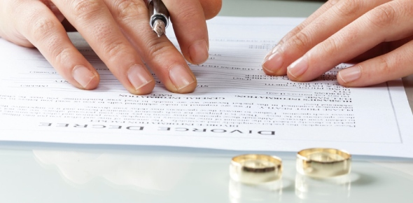 Yes, extramarital affairs lead to divorce. In fact, it is one of the most common reasons for