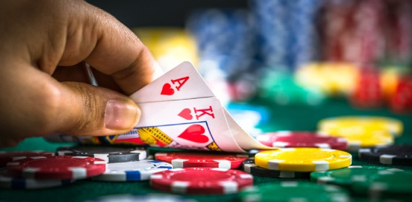 There have been many awesome poker players known for their successes over time. Here is a list of