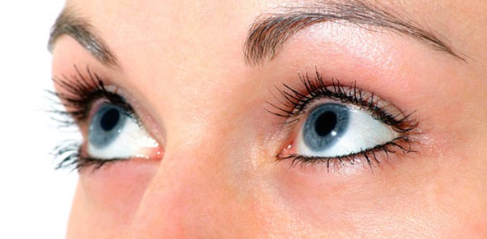 Experts suggest that people wear color that matches their eye color. You do not have to wear only