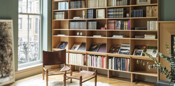 What between would you place the book when shelving a book by MacElvain?