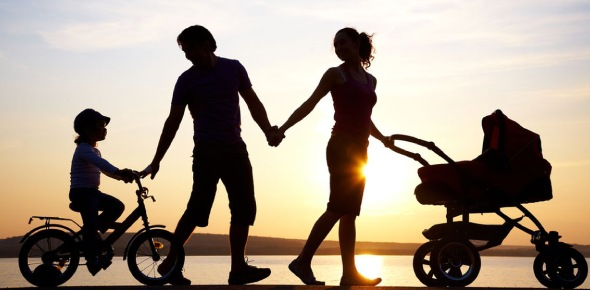 According to psychology, there are four types of parenting styles.  Authoritarian parenting: is