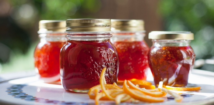 Attempting to tell the difference between jam and preserves can be quite tricky. The distinction