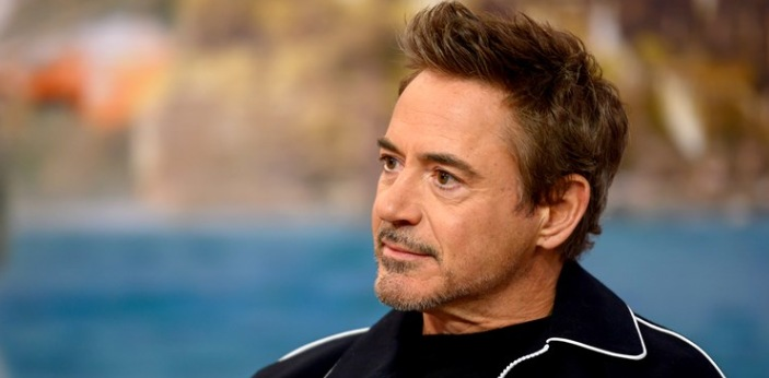 Robert Downey Jr. plays the main character, Doctor Dolittle. The cast includes Antonio Banderas