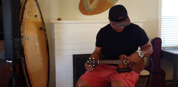 Why can't I produce a Hawaiian tune with the ukulele?