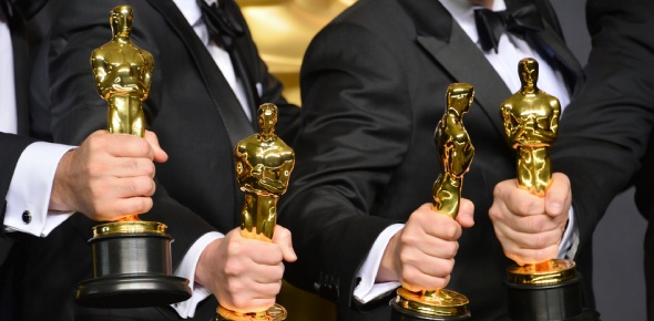 Why is it that good and commercially successful films are not awarded Oscars?