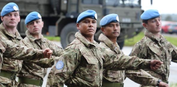 Who controls the U.N. Army?
