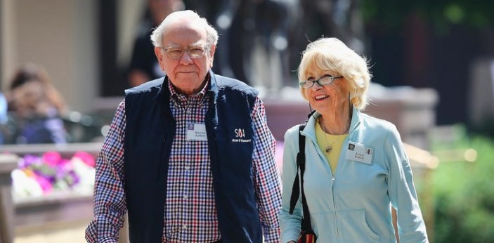 Susan Thompson Buffet was the first wife of Warren Buffet, and the two of them remained married