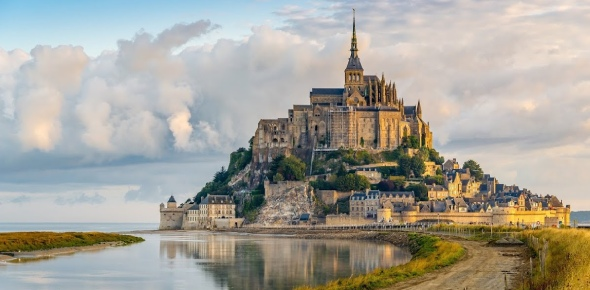 In France, there are many places to visit. Some of those places one should not miss out on when