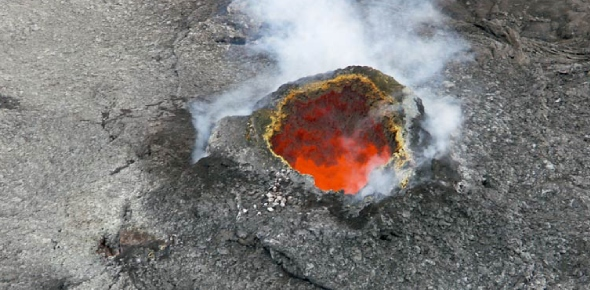 Why don't underground volcanic vents get shut due to pressure of the ocean?