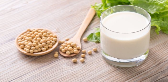 Soy milk is considered to be one of the types of milk that vegetarians and vegans can drink because