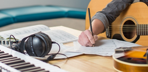 Do songwriters make more money from a song than the actual performer?
