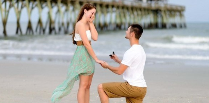 There are a lot of ways to propose someone you truly love. Before going into this, I will advise