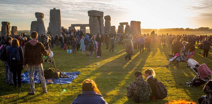 The summer solstice is experienced all over the world when the sun seems to be at a standstill. The