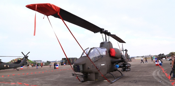 Which attack helicopter is better: Apache or Supercobra?