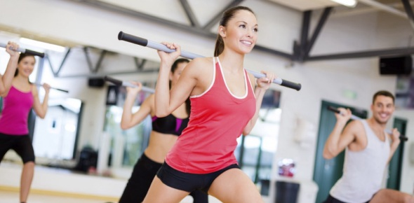 What are the differences between health and skill related components of fitness?