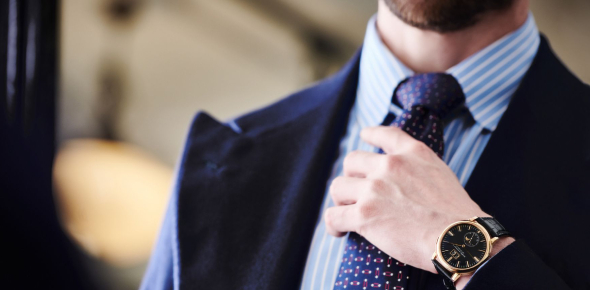 Here are easy steps on how to tie a tie:  1. Put your tie around your neck. make sure that you have
