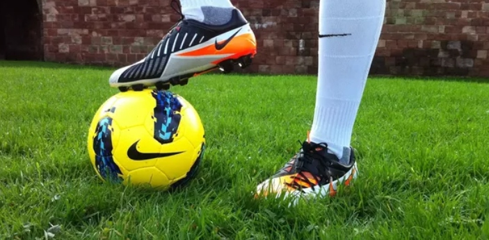 Although soccer and baseball cleats have many similarities, there are also notable differences that