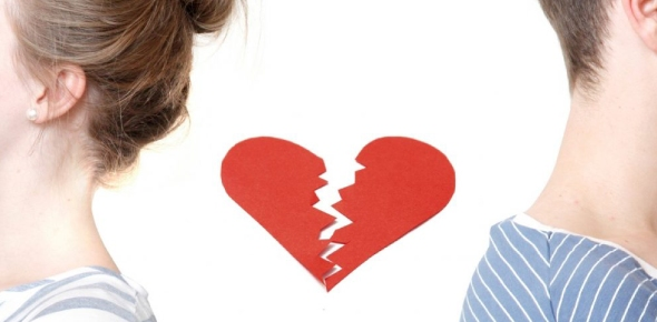 Moments after a breakup are usually very difficult. We all deal with heartbreaks and breakups
