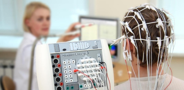 EEG is an abbreviation for electroencephalogram, which is a method of evaluating the brain's