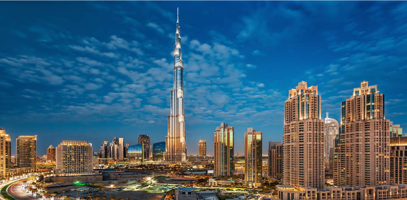 There are a number of top attractions in Dubai for tourists. The extensive luxury shopping may be