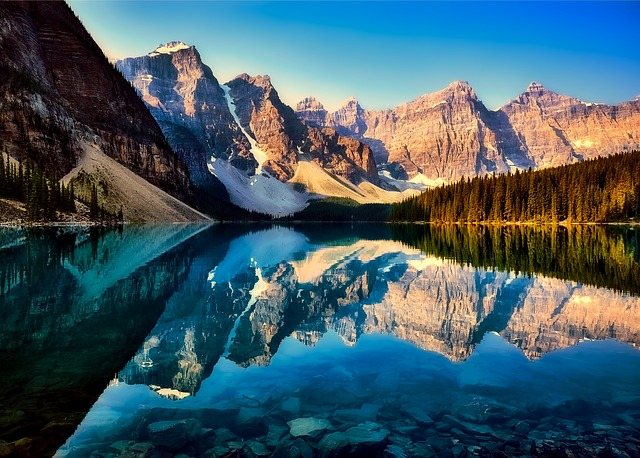 Hi There,  Canada is a country in the northern part of North America. It is the world's